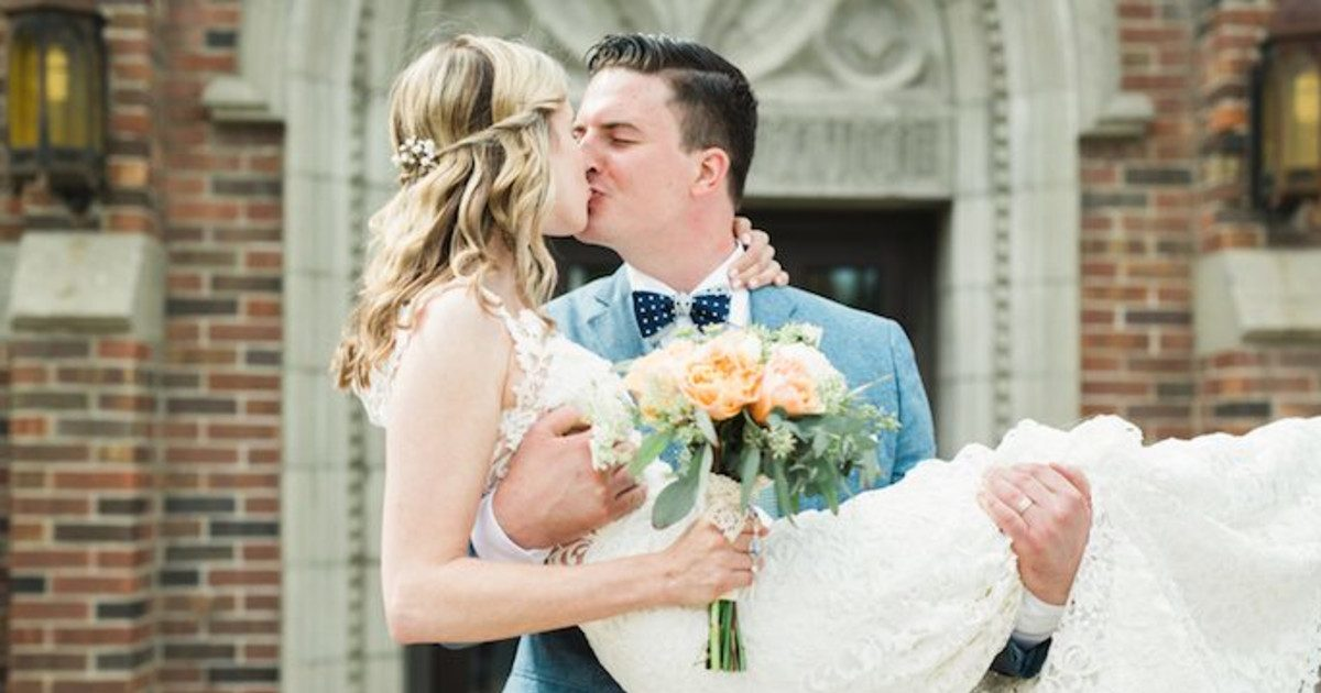 Couple's Friend Ruins Their Wedding & The Internet Is F*cking Furious Over It