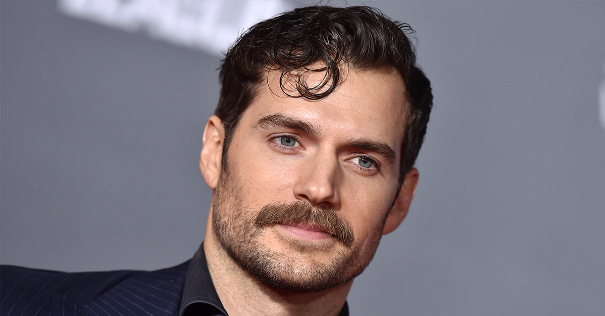 Super Unwoke Henry Cavill Says He's Sorry For Not Understanding The Difference Between Flirting And Raping