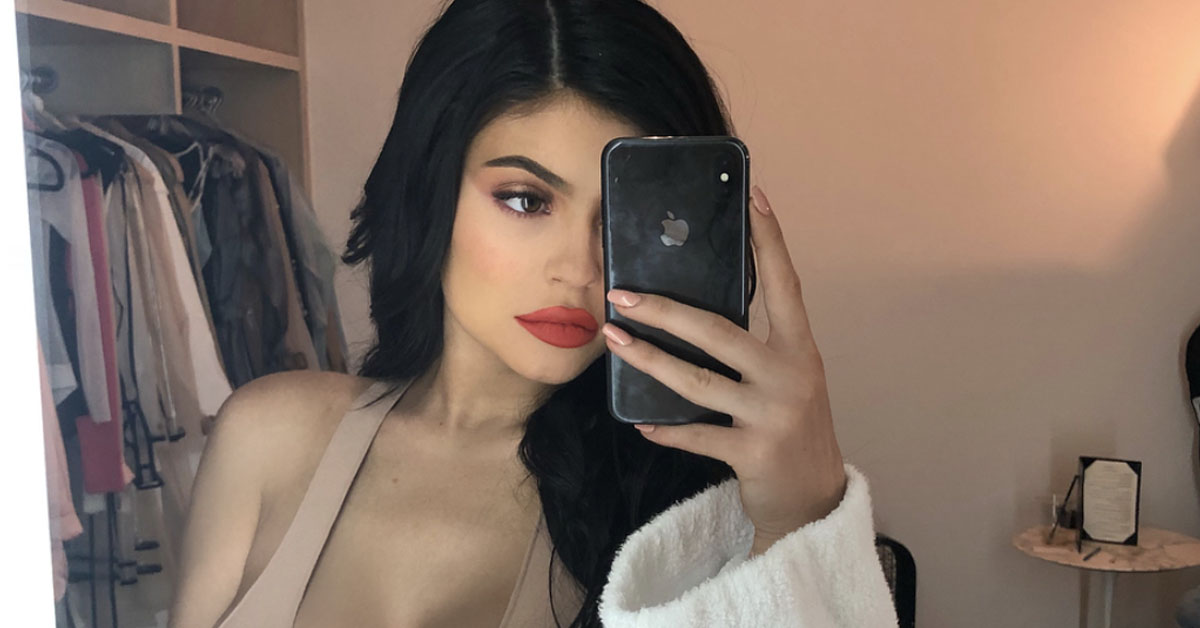 The Damn Dictionary Just Threw Savage Shade At Kylie Jenner Being A Billionaire