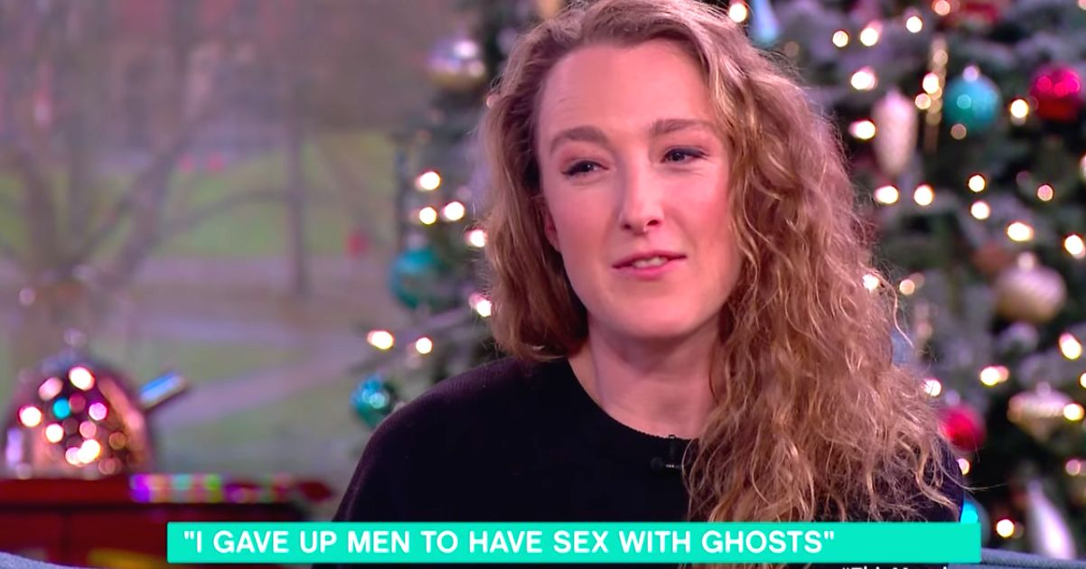 Spiritualist Who Dates Ghosts Is Marrying Her Number One Phantom